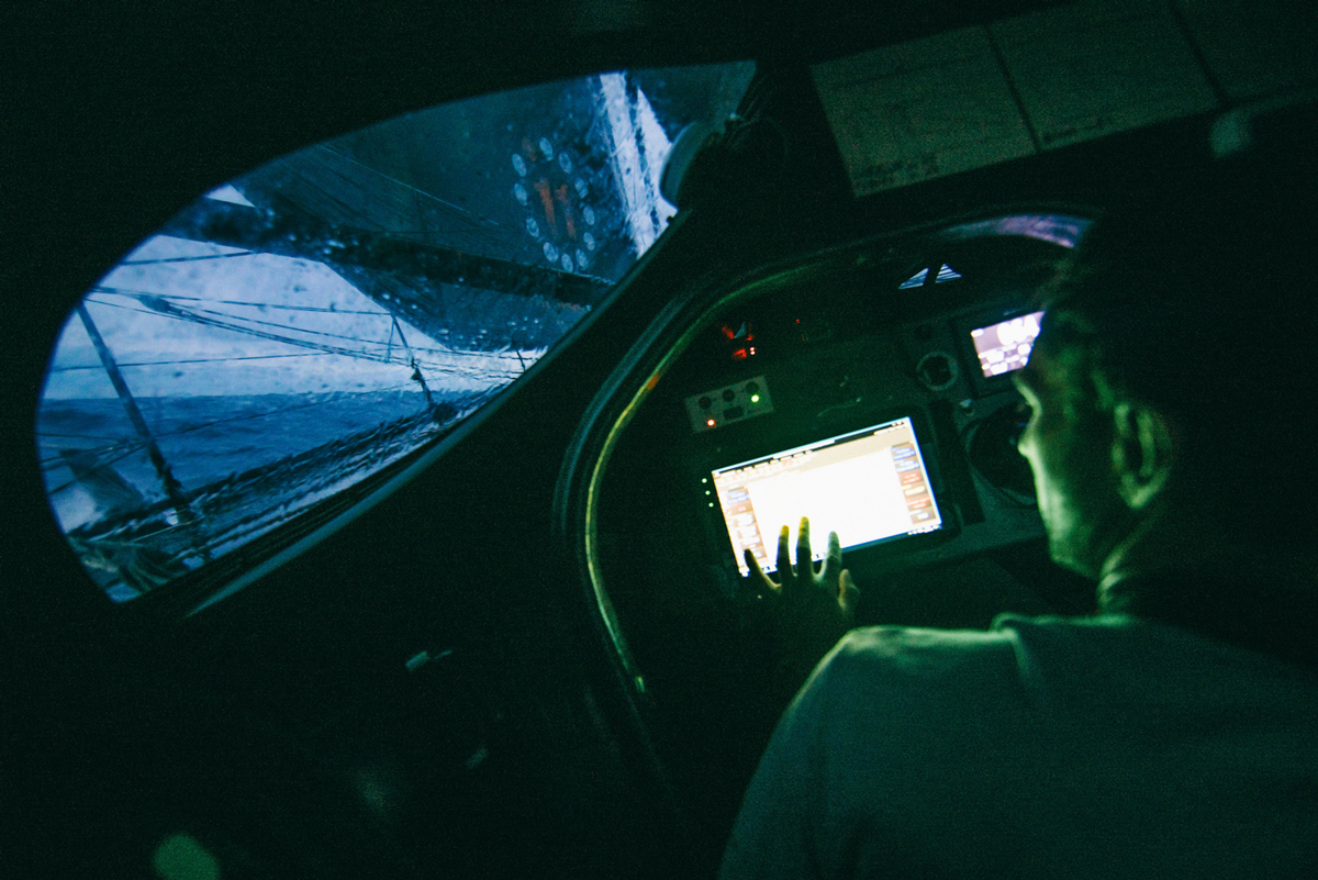 Navigating onboard a imoca 60 during transatlantic