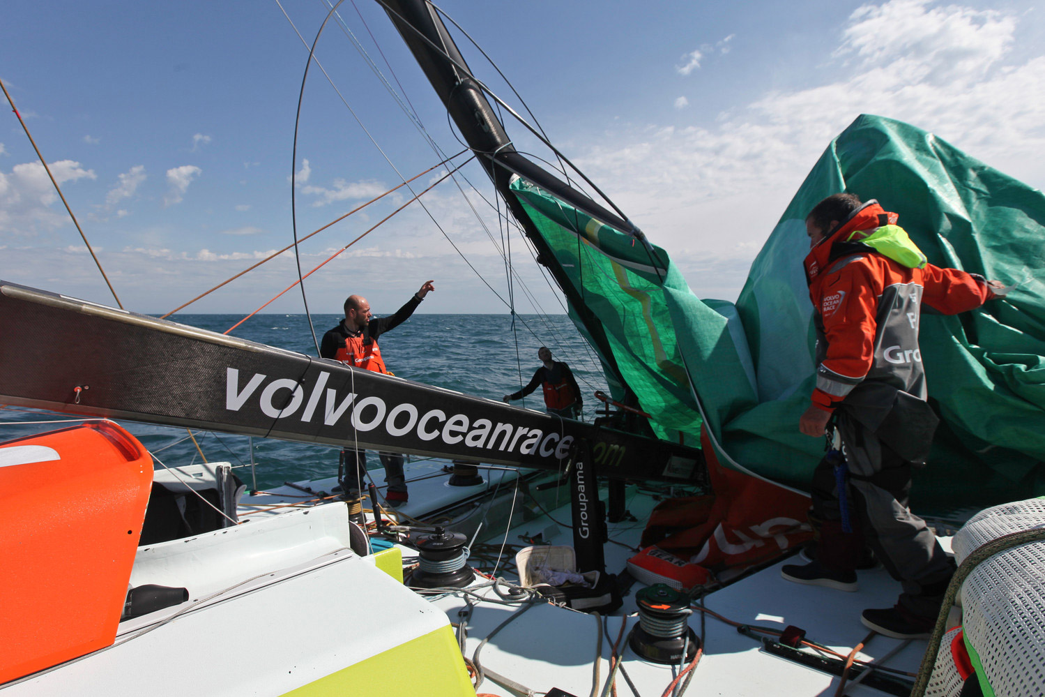 2011-2012 Volvo Ocean Race Groupama is dismasted in the southern ocean.